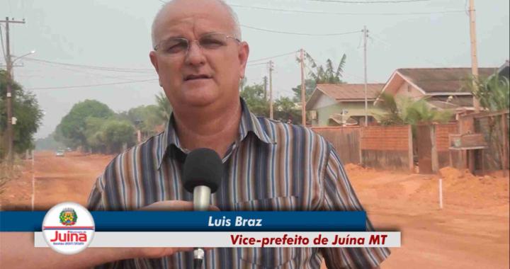 Obras de pavimentação asfáltica e tapa buracos continuam sendo executadas no município