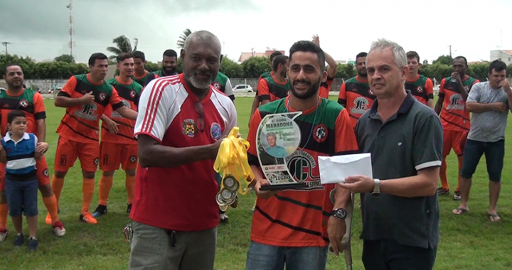Final da 3ª Copa Maradona lota estádio municipal de Juína
